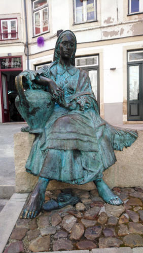 statue-de-femme